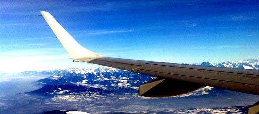 reisecheckliste für flug-reisen